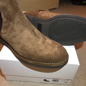 Vince Chelsea boot size 9 brand new
